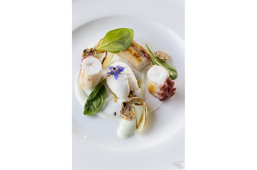 ristorante acquamatta, polpo alla griglia su crema di cetrioli. piatto ideato e creato dal giovanissimo chef Matteo Monfrinotto.