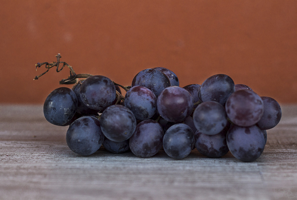 fresh fruit black grape