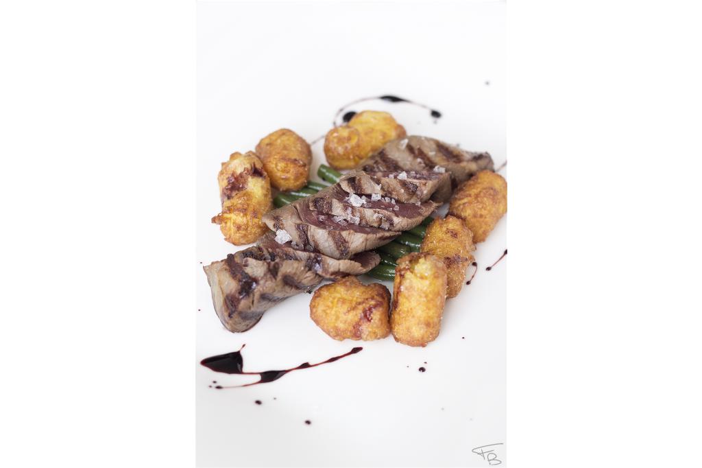ristorante la piazzetta - Coppa di Pata Negra alla brace, pommes dauphine e fagiolini
