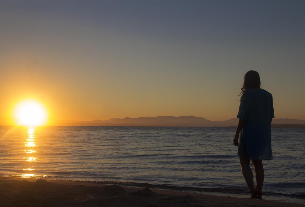 Carloforte, io sulla spiaggia di girin all'alba