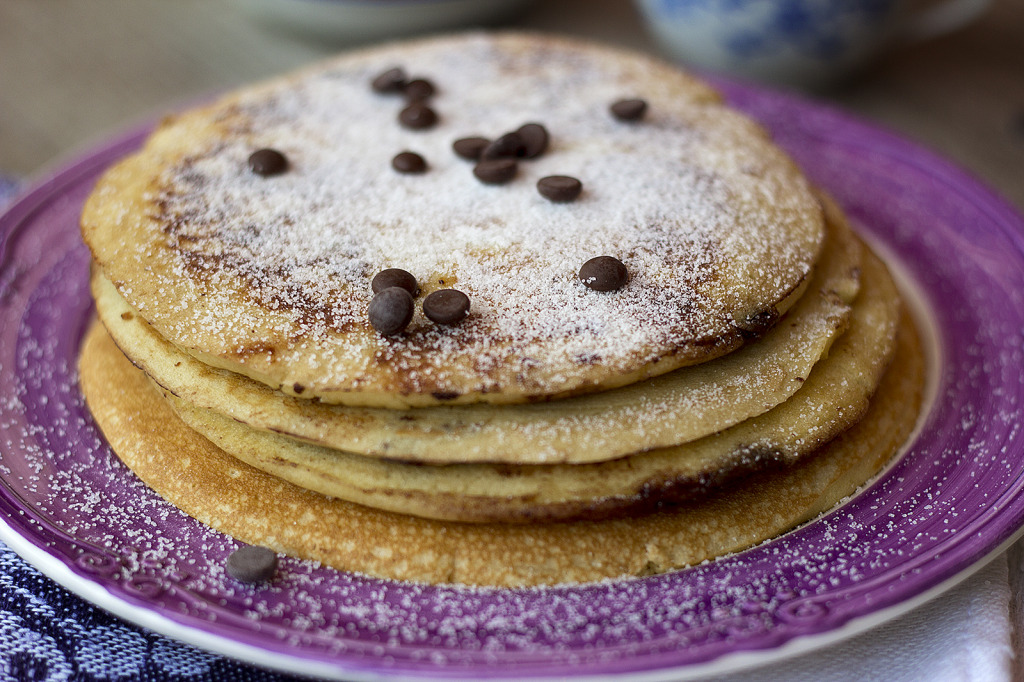 sunday morning pancakes with chocolate chips